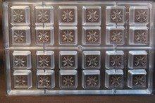 Bonbon carré avec motif floral