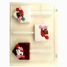Envelope and Valentine bear lolly
